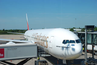 emiratesflight.jpg